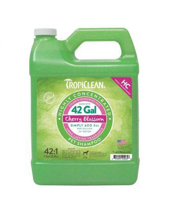 Tropiclean HC Cherry Blossom 3,8l - mocno skoncentrowany szampon oczyszczający do każdego typu szaty, idealny do salonu groomerskiego, koncentrat 1:42